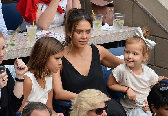 jessica-alba-daughters-honor-haven-usopen-2016-01