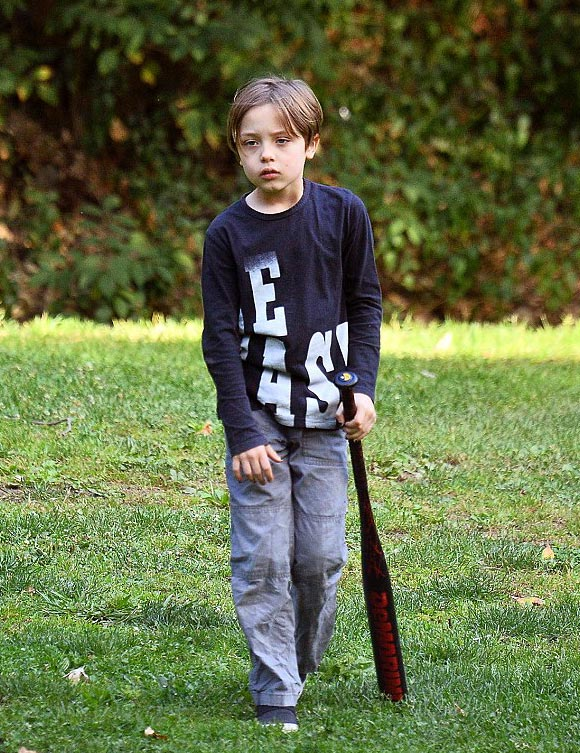jolie-pitt-children-sep-2016-05