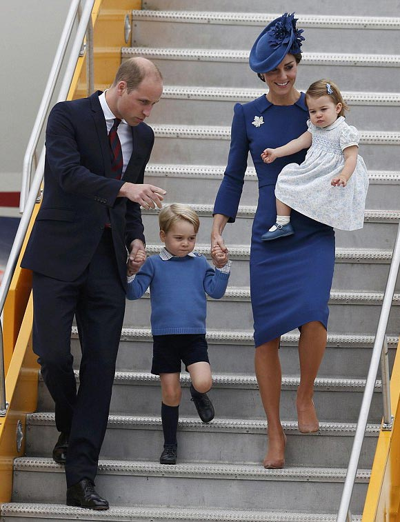 prince-george-princess-charlotte-canada-sep-2016-01