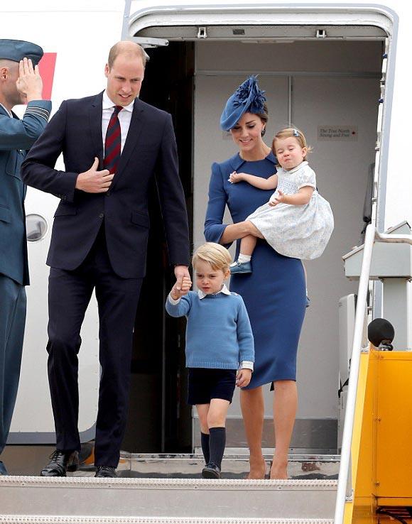 prince-george-princess-charlotte-canada-sep-2016-07