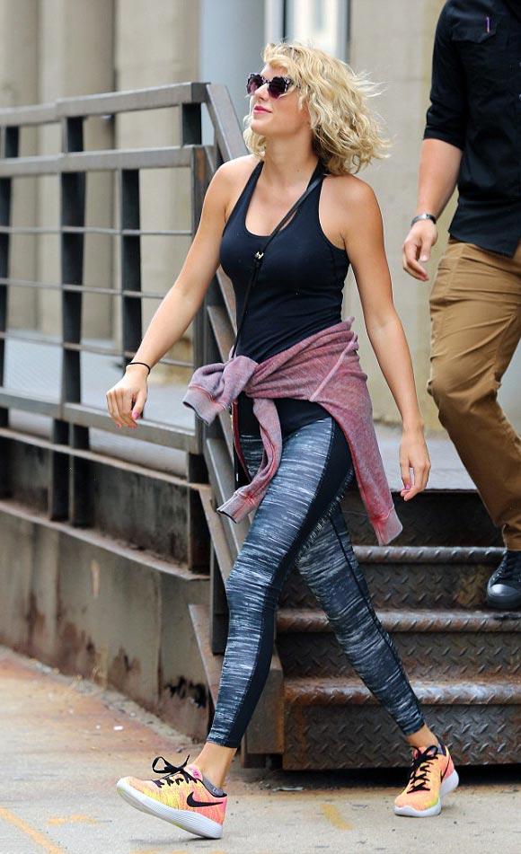 Taylor-Swift-Tom Hiddleston- SPLIT-2016-03