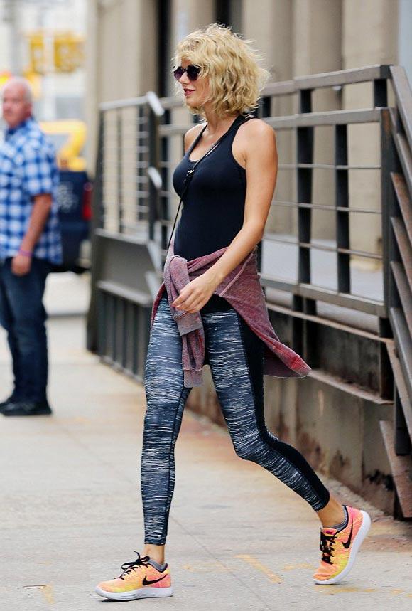 Taylor-Swift-Tom Hiddleston- SPLIT-2016-04