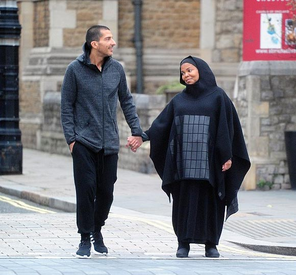 pregnant-janet-jackson-husband-oct-2016-05