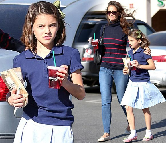suri-cruise-starbucks-19-oct-2016