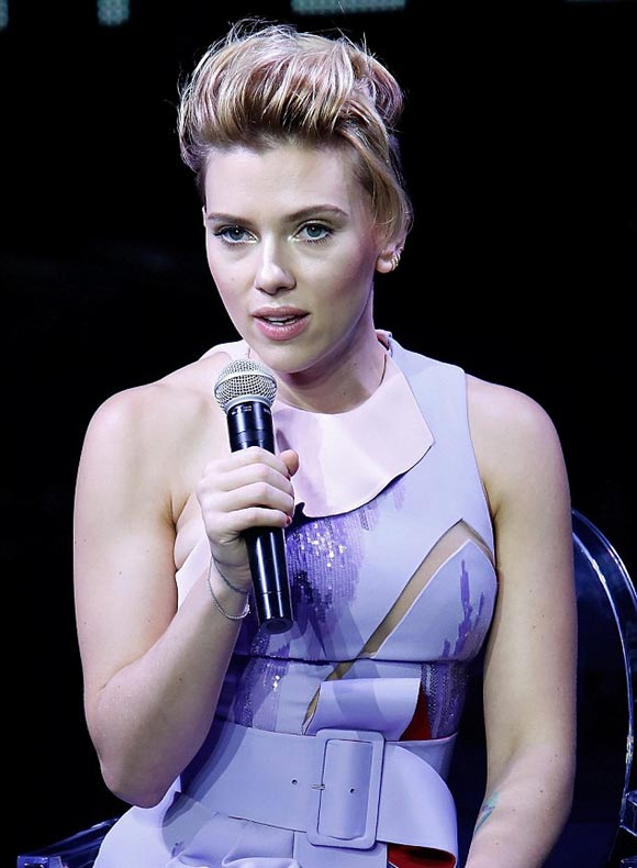 scarlett-johansson-japan-nov-2016-02