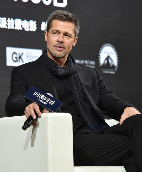 brad-pitt-allied-shanghai-nov-2016-02