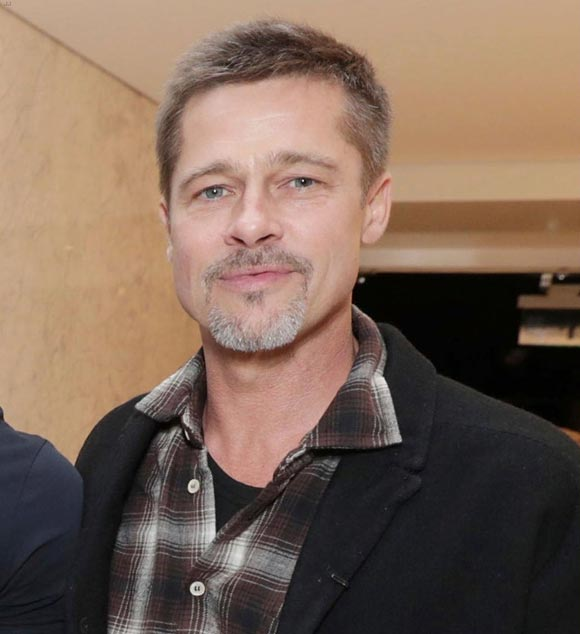 brad-pitt-first-post-split-appearance-nov-2016-01
