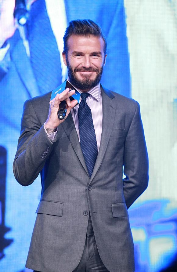 david-beckham-biotherm-china-nov-2016-06