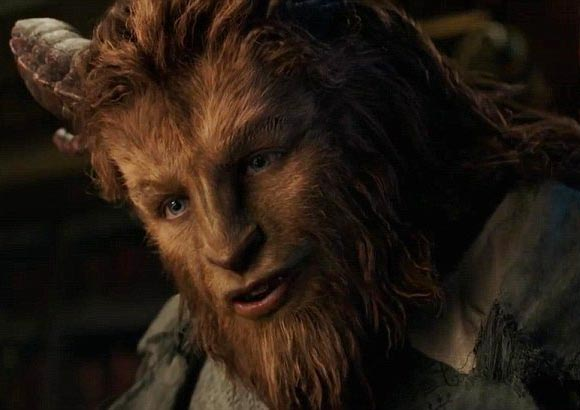 new-beauty-and-the-beast-trailer-nov-2016-03
