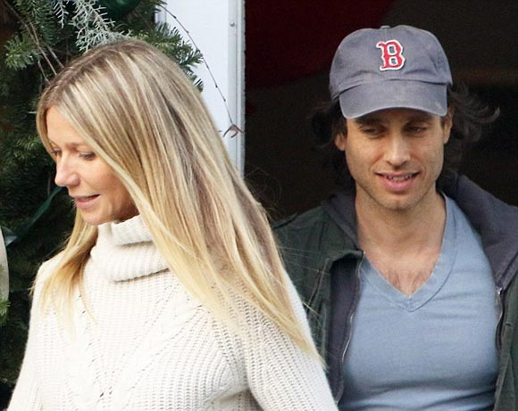 gwyneth-paltrow-brad-falchuk-dec-2016-01