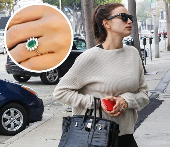 irina-shayk-wedding-finger-dec-2016