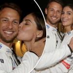 F1引退!ジェンソン・バトン、最後のレースを恋人ブリトニー・ワードがキスで迎える