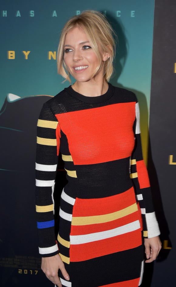 sienna-miller-live-by-night-dec-2016-02