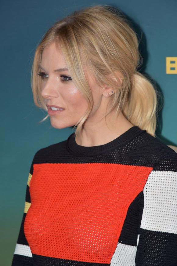 sienna-miller-live-by-night-dec-2016-04