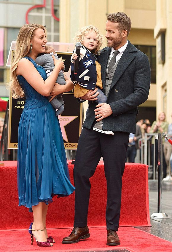 blake-lively-ryan-reynolds-daughter-james-dec-2016-01