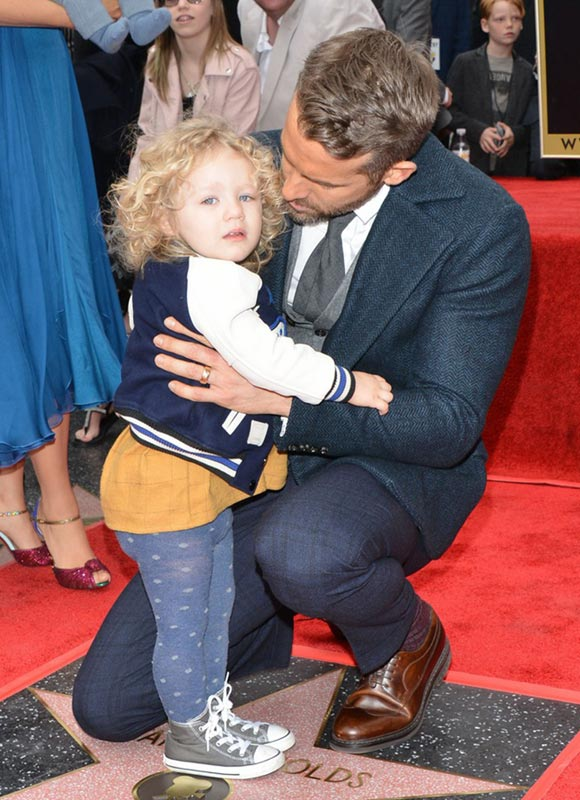 blake-lively-ryan-reynolds-daughter-james-dec-2016-05