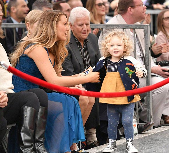 blake-lively-ryan-reynolds-daughter-james-dec-2016-09