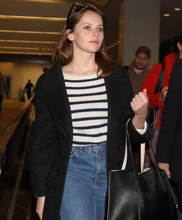 felicity-jones-rogue-one-japan-dec-2016-03