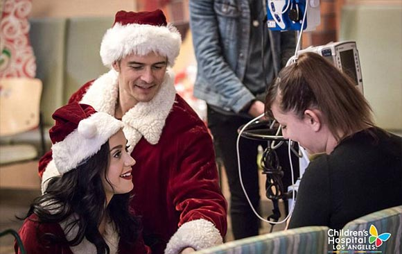 katy-perry-orlando-bloom-santa-costume-dec-2016-04