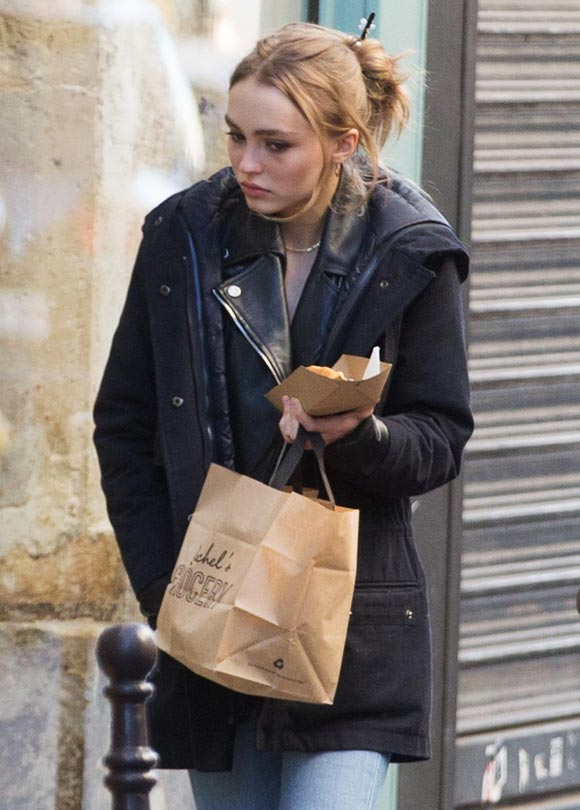 lily-rose-depp-outfit-dec-2016-04