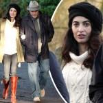 妊娠疑惑のアマル・クルーニー、夫ジョージ・クルーニーとお散歩デート