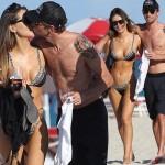 ジェンソン・バトン、37歳の誕生日を恋人ブリトニー・ワードとビーチデートでお祝い!