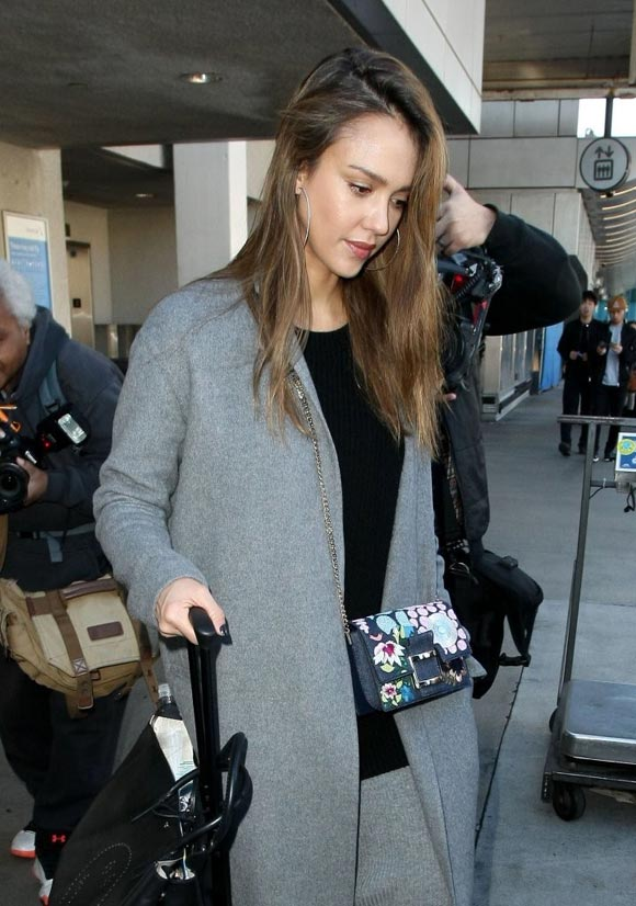 Jessica-Alba-outfit-jan-25-2017-04