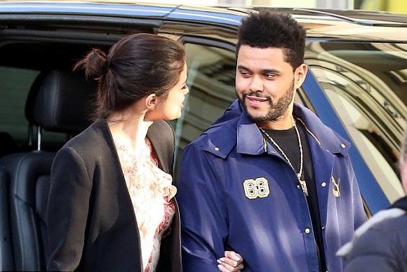 Selena-Gomez-The-Weeknd-italy-jan-2017-06