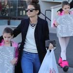 トム・クルーズ娘スリちゃん、母とショッピングにお出かけ!#2017年 #現在
