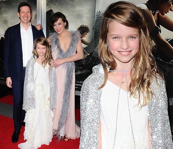 milla-Jovovich-family-Resident Evil-premiere-la-jan-2017_