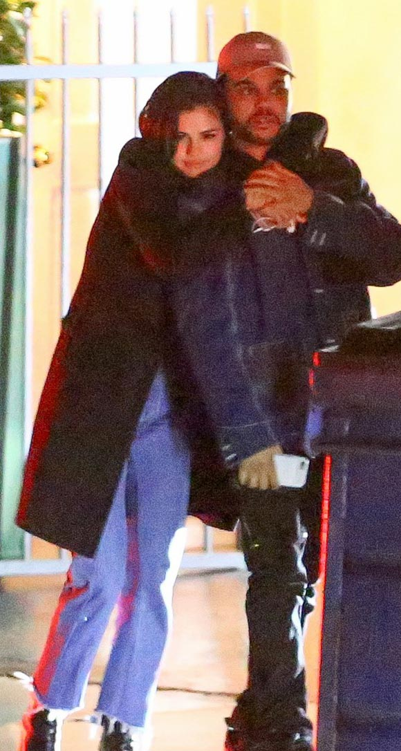 selena-gomez-the-weeknd-kiss-jan-2017-01