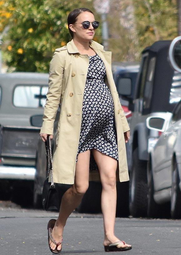 Pregnant-Natalie Portman-feb-2017-01