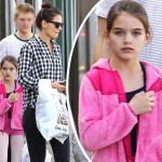 トム・クルーズの娘スリちゃん、しっかりカメラ目線でパチリ!