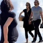 妊娠中のイリーナ・シェイク、恋人ブラッドリー・クーパーとビーチでピクニック