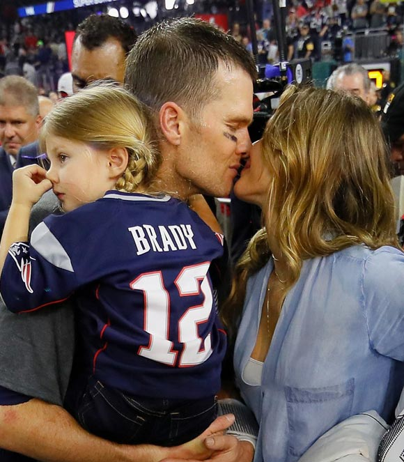gisele-bundchen-kids-celebrate-tom-brady-super-bowl-win-2017-01
