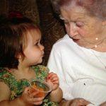 可愛すぎる!ベッカムの娘ハーパーちゃん、ひいおばあちゃんとのツーショットを公開!