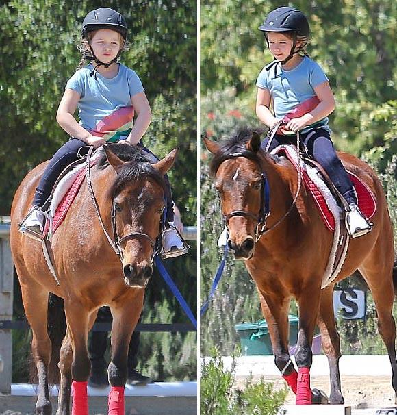 Harper-beckham-horse-riding-april-2017-01