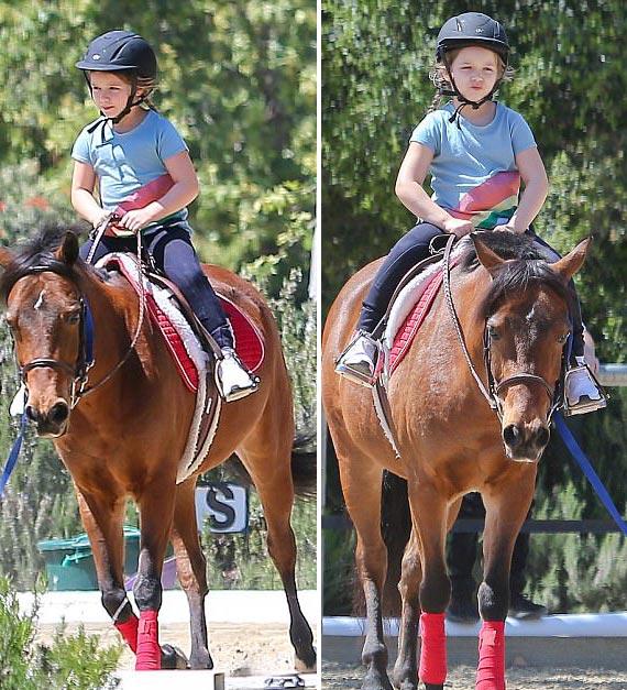 Harper-beckham-horse-riding-april-2017-06