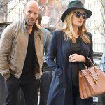 妊娠中のロージー・ハンティントン=ホワイトリー、婚約者ジェイソン・ステイサムとNYのホテルに現れる!