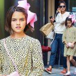 頭にピンクのデカリボン!スリちゃん、母とショッピングにお出かけ #現在