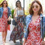 ミランダ・カー、花柄ワンピースにデニムジャケットでお出かけ #私服