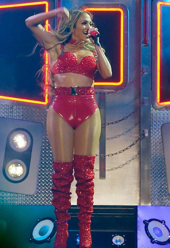 Jennifer-Lopez-guess-48-years-old.jpg