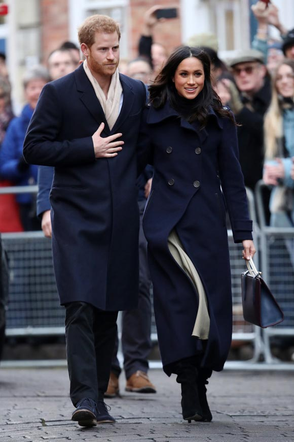 Prince-Harry-Meghan-Markle-Nottingham-dec-2017-02