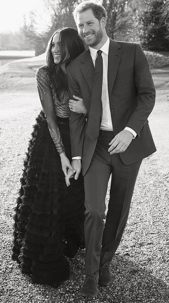 Prince-Harry-Meghan-Markle-photograph-dec-2017-02