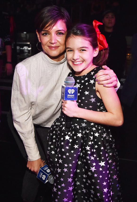 Suri-Katie-Holmes-Jingle-Ball-2017-02