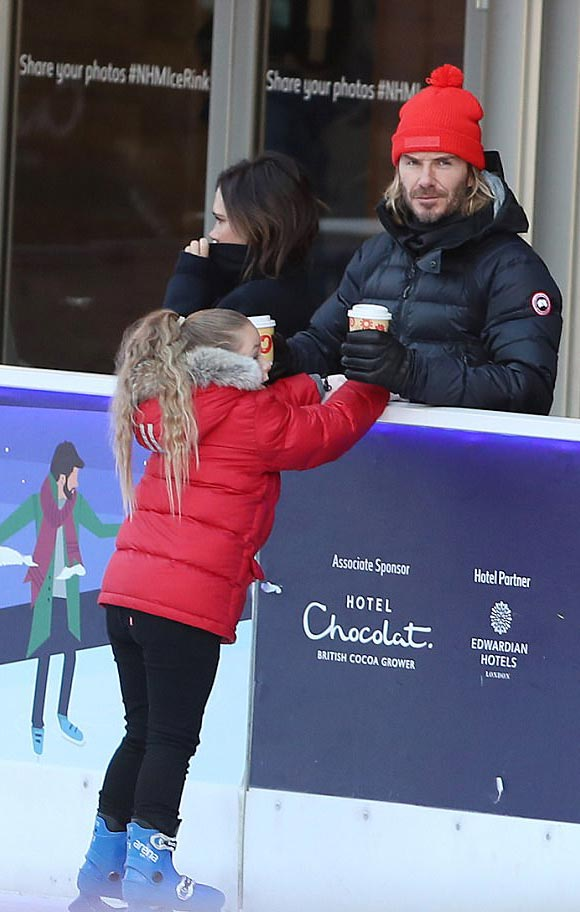 david-harper-Beckham-ice-skating-dec-2017-02