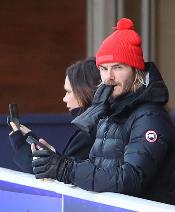 david-victoria-Beckham-ice-skating-family-dec-2017