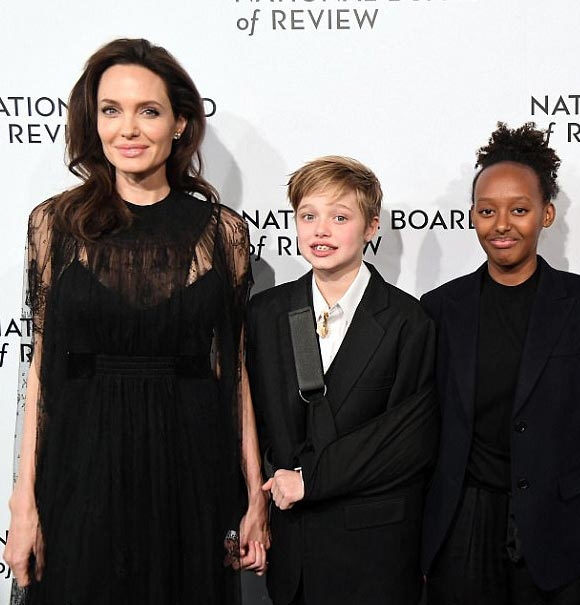 Angelina-Jolie-shiloh-jan-2018-05