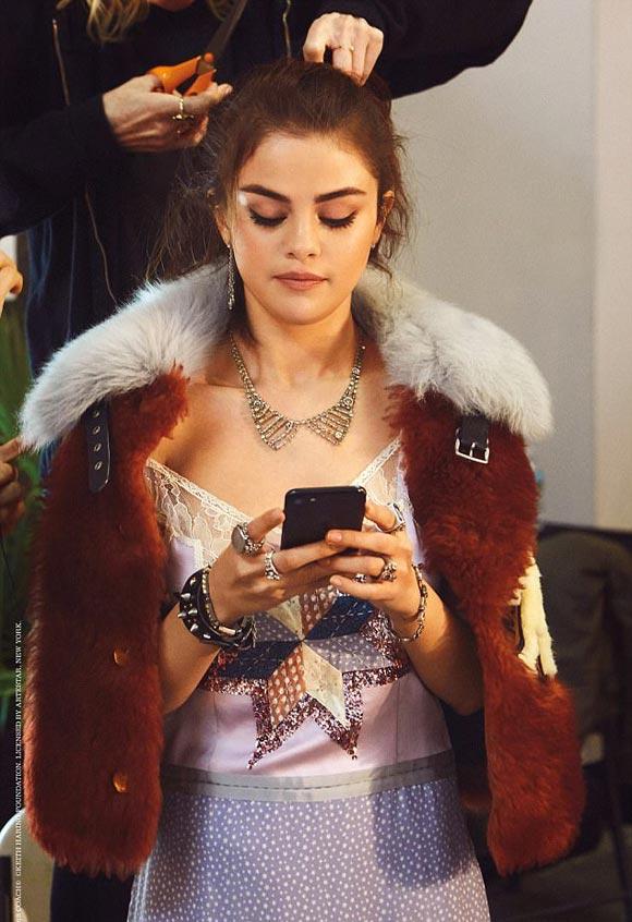 Selena-Gomez-Coach-Spring-2018-06