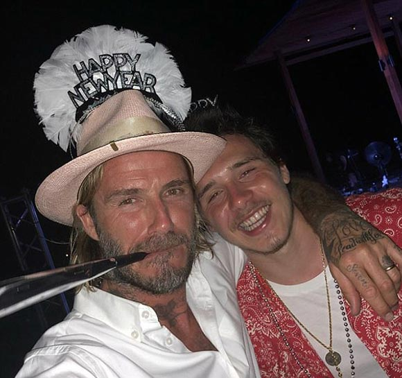 beckham-family-happy-new-years-2018-02